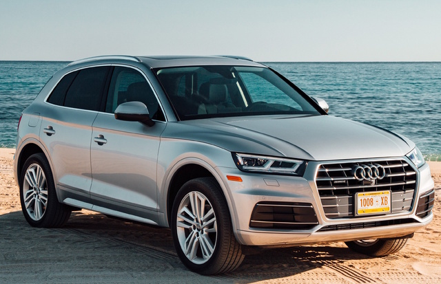 2018 Audi Q5, Front-quarter view., gallery_worthy