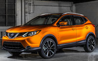 2017 Nissan Rogue Sport, Front-quarter view., gallery_worthy