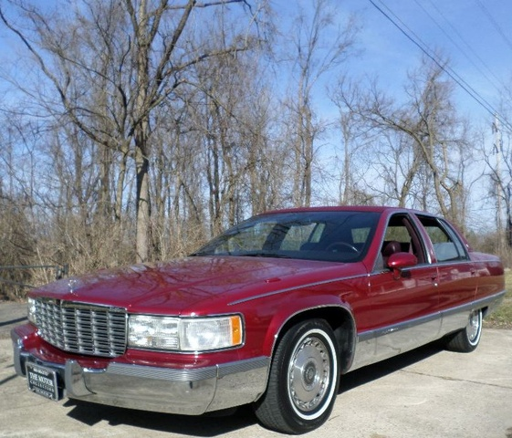 Picture of 1994 Cadillac Fleetwood