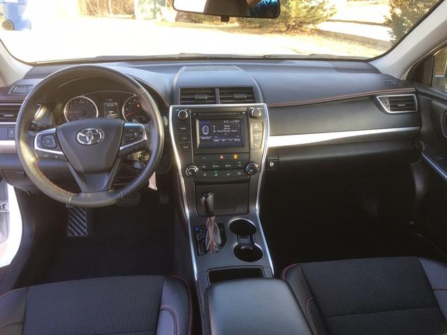 2016 Toyota Camry Pictures Cargurus