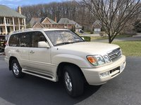 2003 Lexus LX 470 Picture Gallery