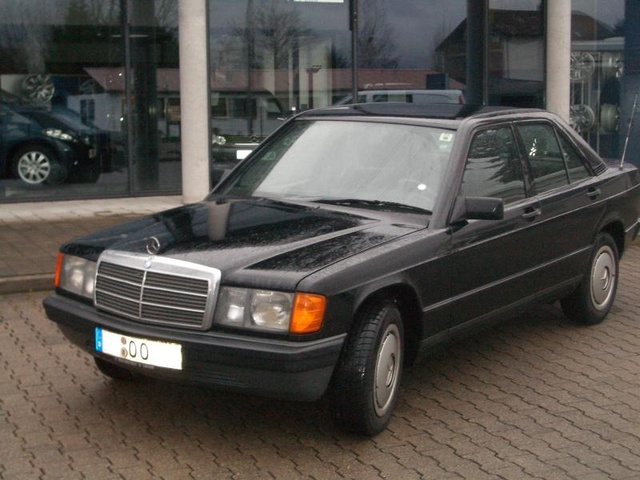 Picture of 1986 Mercedes-Benz 190-Class 190D 2.5 Diesel Sedan