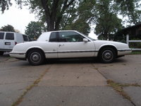 1992 Buick Riviera Picture Gallery