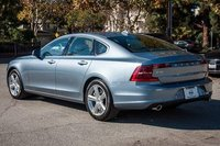 2017 Volvo S90 Picture Gallery