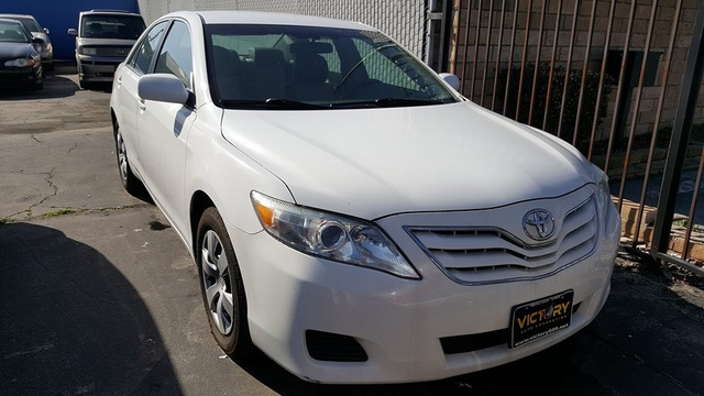 2011 Toyota Camry 4 Doors Clean Title Automatic Transmission 4 Cylinders No  Problems. Good Condition