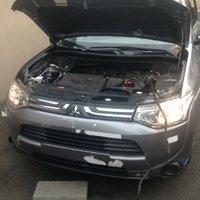 Picture of 2014 Mitsubishi Outlander ES, engine