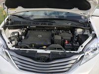Picture of 2014 Toyota Sienna XLE 8-Passenger, engine