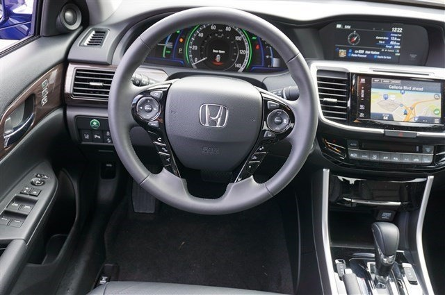 Picture of 2017 Honda Accord Hybrid Touring, interior, gallery_worthy